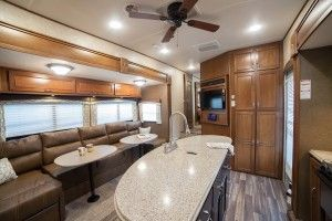 2016 Roamer Fifth Wheels RF367BHS by Highland Ridge RV #cornerbathtub