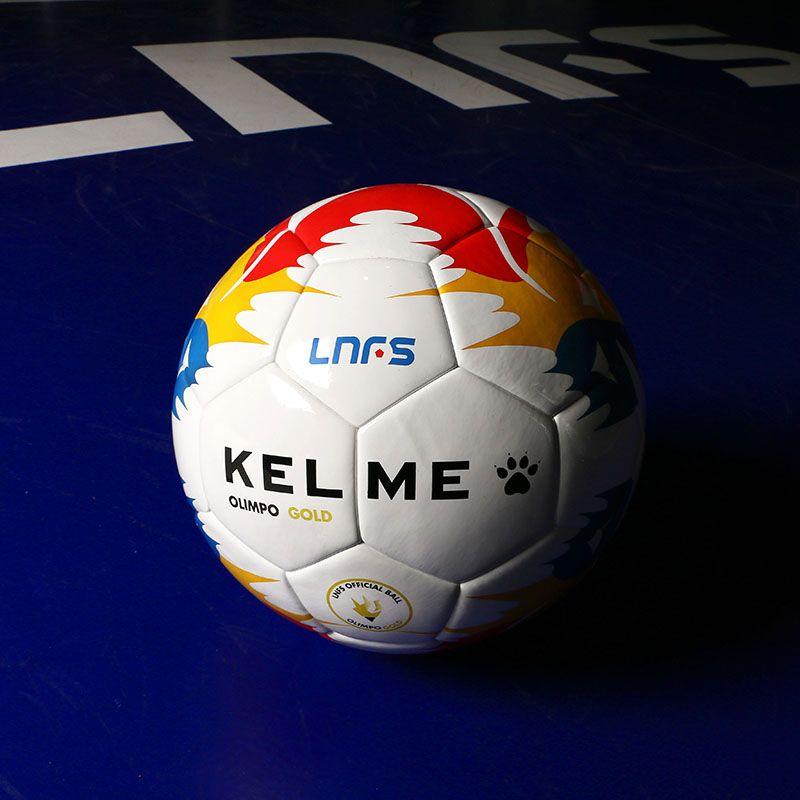 816d063532a50 Balón Kelme Olimpo Gold réplica de la Liga Nacional de Fútbol Sala de color  blanco.