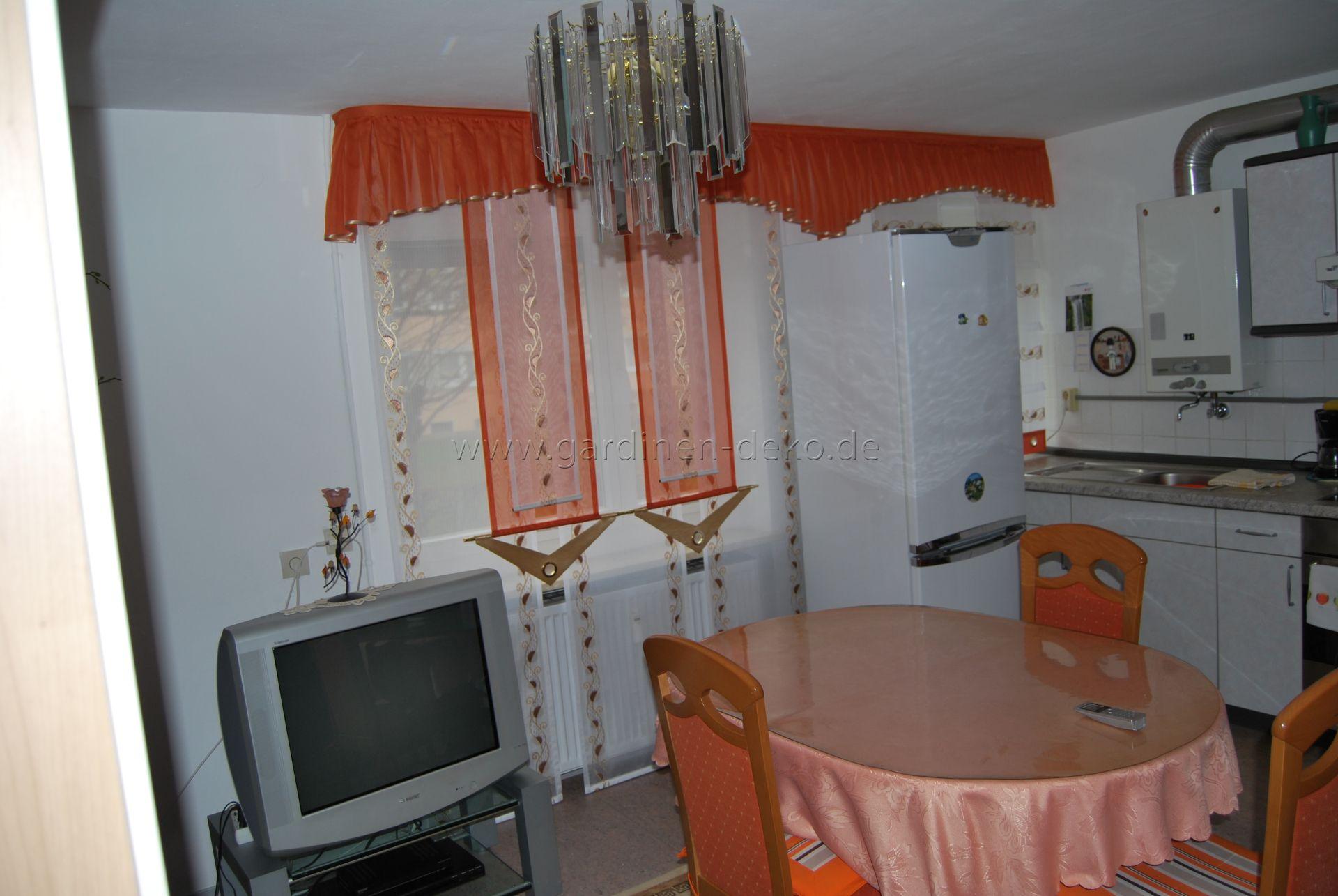 Ausgefallene Schiebegardine Für Die Küche In Dunkel Orange Und - Schiebegardinen schlafzimmer