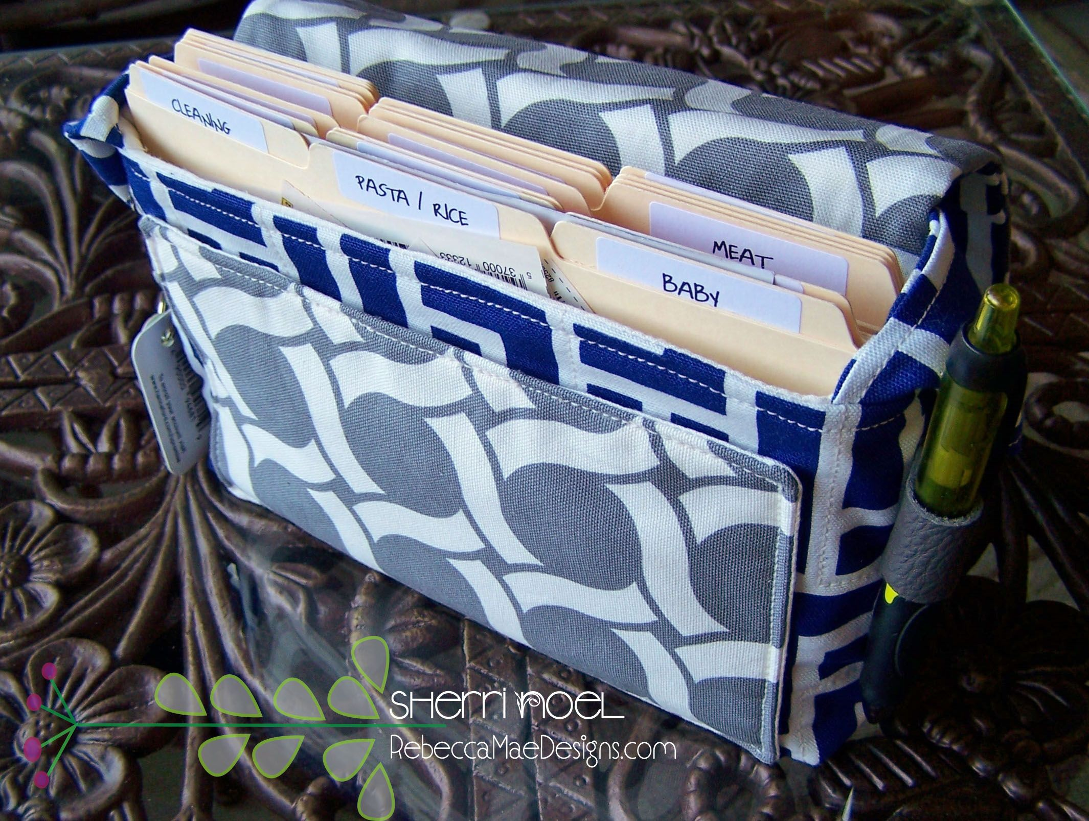 extreme couponing bag sewing pattern. This coupon bag has all the ...