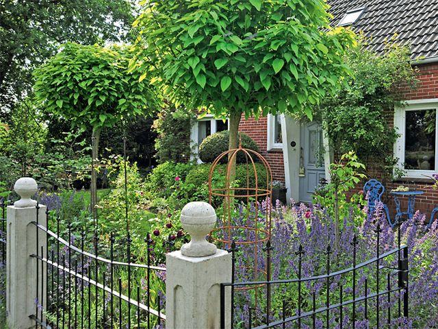 Klassischer Vorgarten