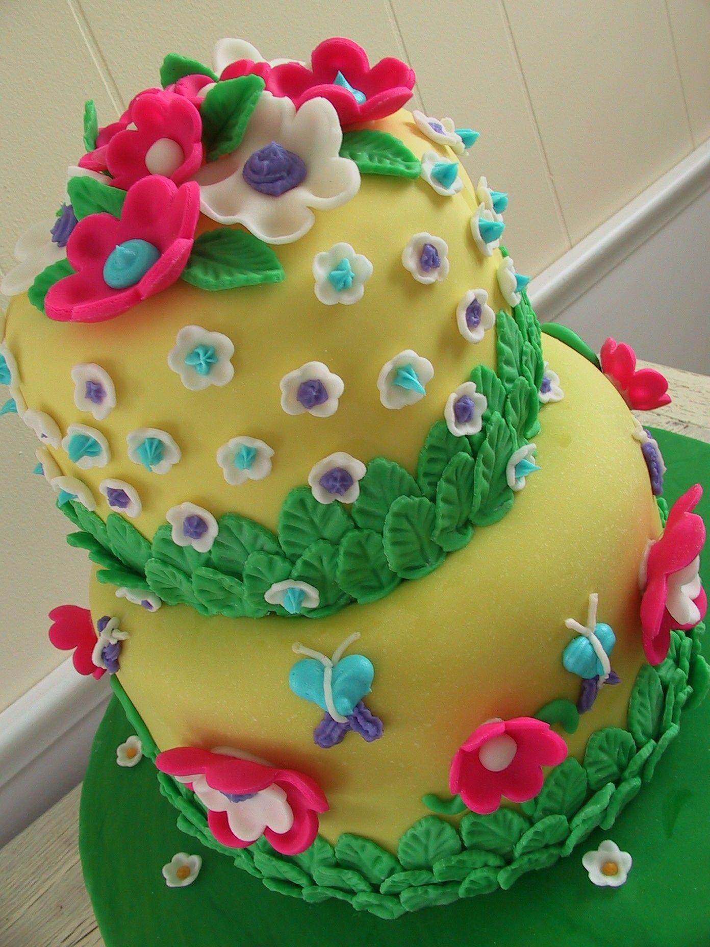 flowerfondantcake Cake Fondant cakes and Fondant birthday cakes