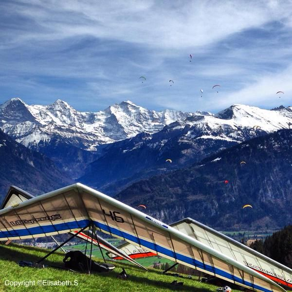 Temperatures are climbing up to 30°C this week. Enjoy the beautiful summer weather on the ground or in the air. #paragliding #hanggliding