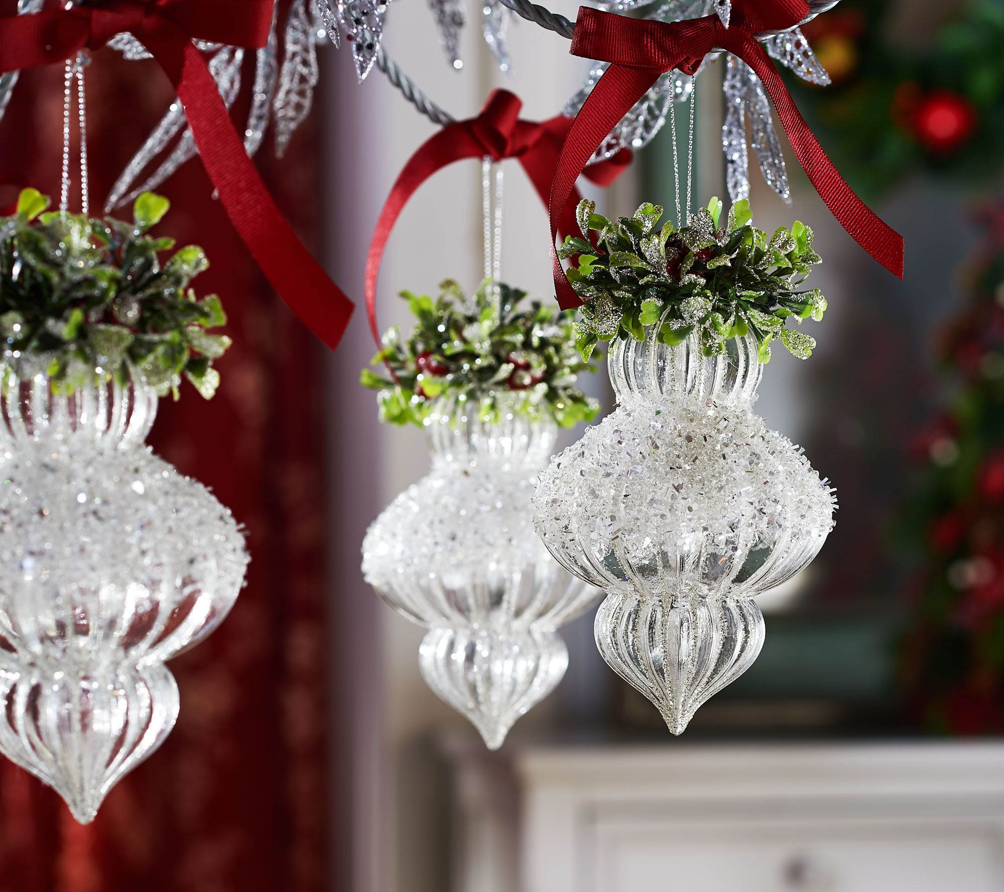 Set Of 5 Shimmering Iced Glass Ornaments By Valerie Qvc Com Christmas Display Valerie Parr Hill Christmas Glass Ornaments