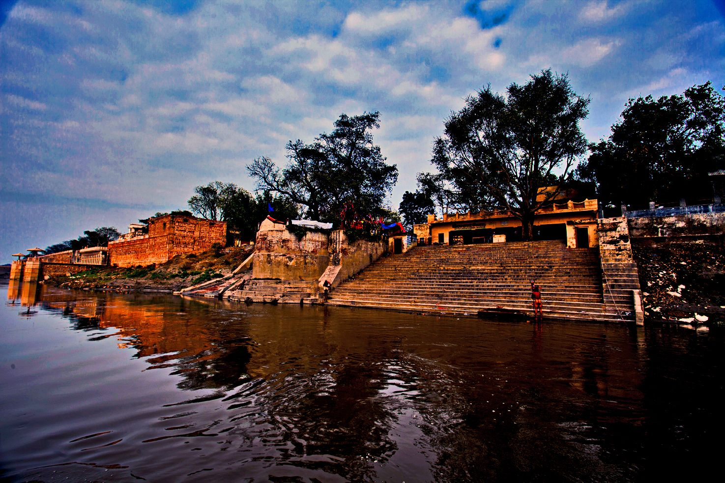Gokul is the place where Lord #Krishna grew up. It is here at Brahmand Ghat  that Ma #Yashoda saw the universe in #Kris…   Places to go, Places to see,  Great places
