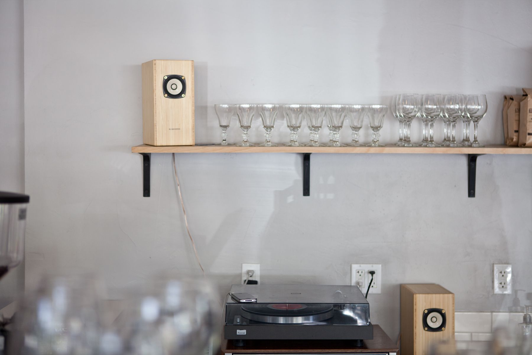 seattle: slate coffee roasters kinfolk | living room | pinterest