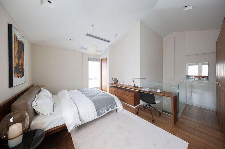 Tête de lit en bois de noyer massif avec banc et rangement intégré !