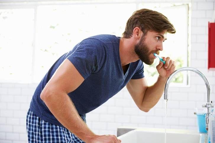 Cuida tu salud bucal y previene la periodontitis.