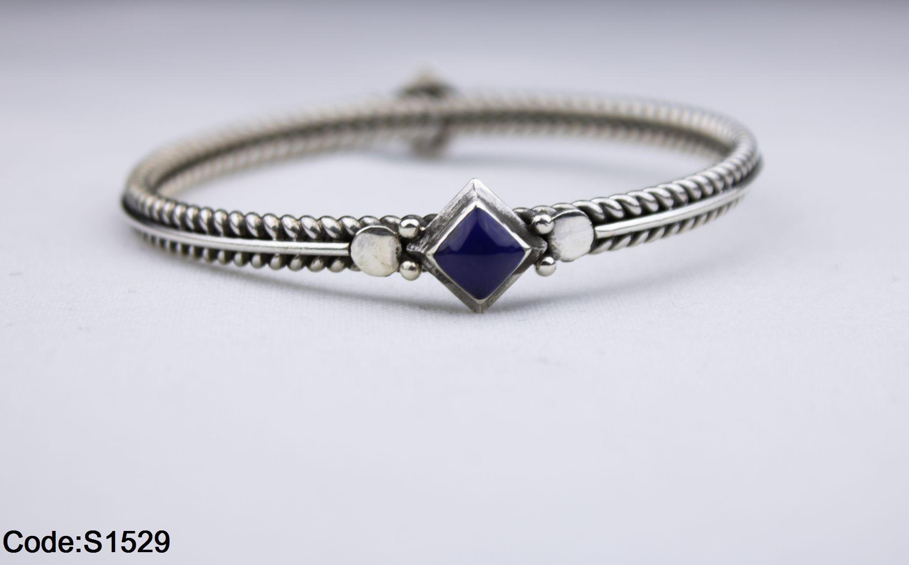 أنسيال مزخرف أزرق بسعر 475ج بدل من 585ج Women Accessories Jewelry Sapphire Ring