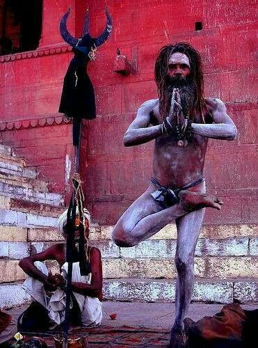 This aghori capable of doing deep meditation in dis posture