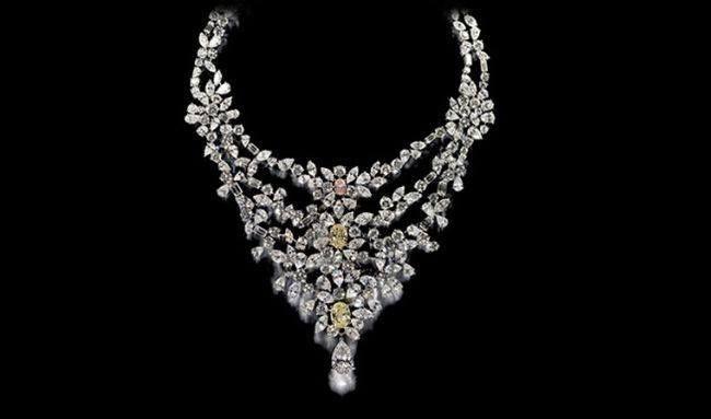 6 Debeers Marie Antoinette Necklace This Debeers Marie Antonette Necklace Has 181 Carats In Diamonds Set Pink Diamond Jewelry Big Diamonds Necklace Diamond