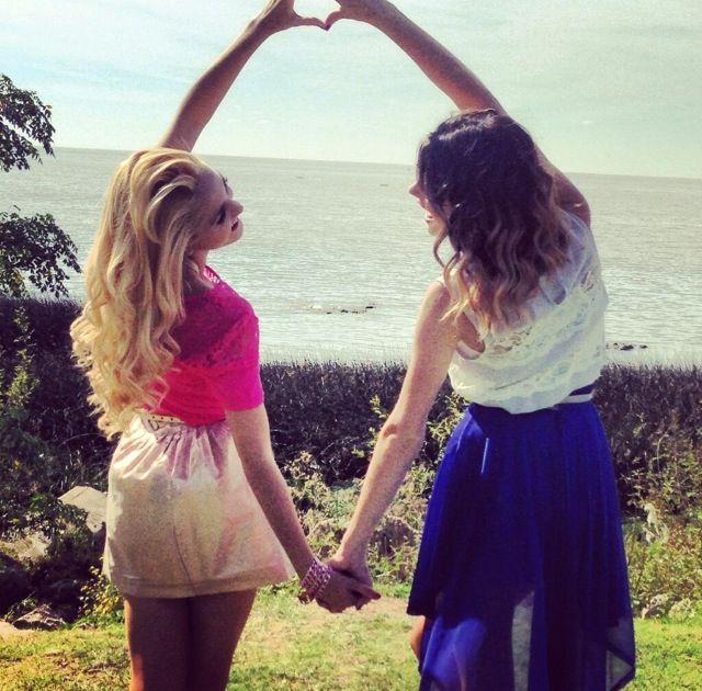Che grandi amiche Violetta e Ludmilla