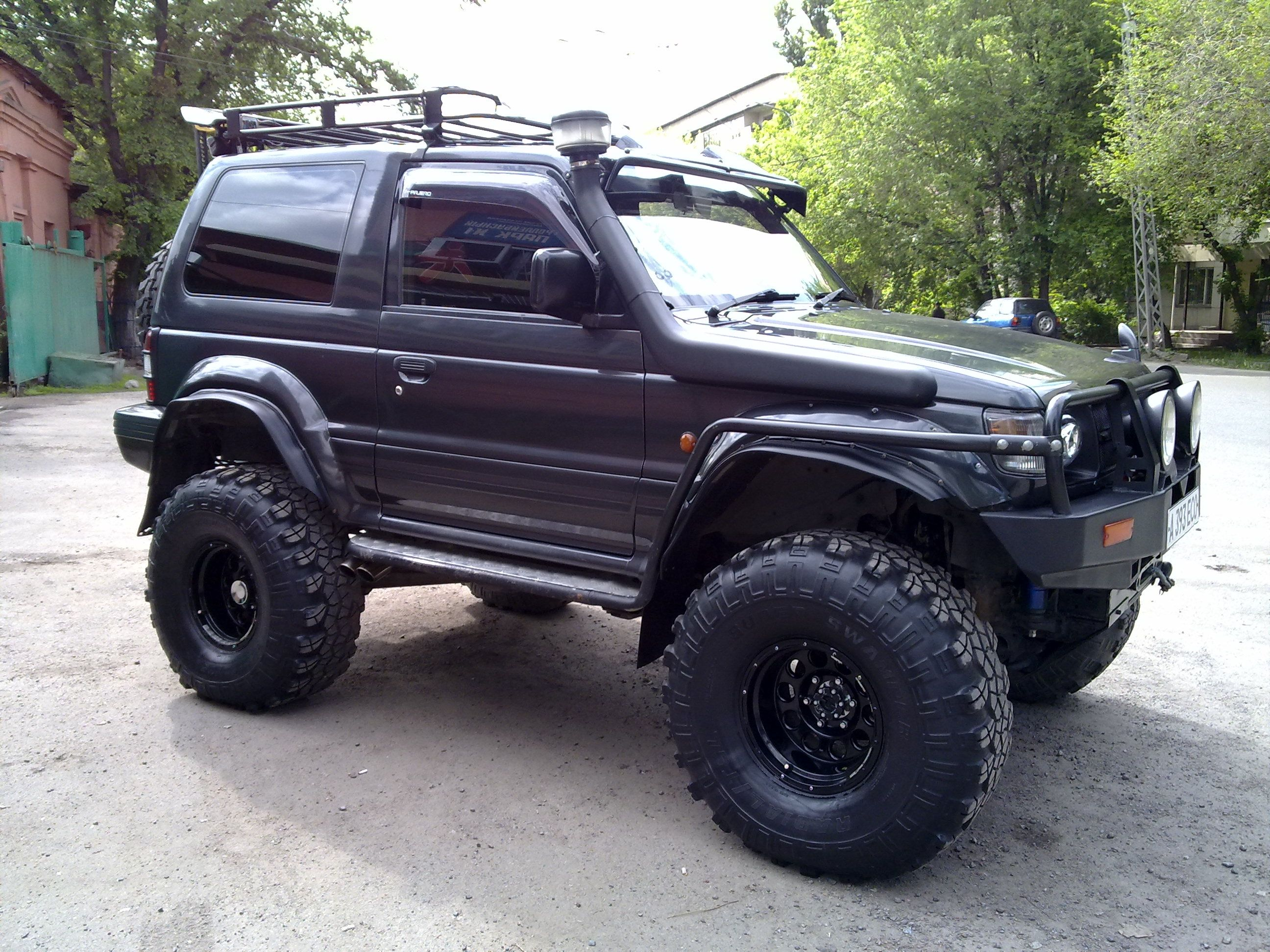 mitsubishi montero off road motorcycles cars trucks pinterest 4x4 mitsubishi pajero. Black Bedroom Furniture Sets. Home Design Ideas