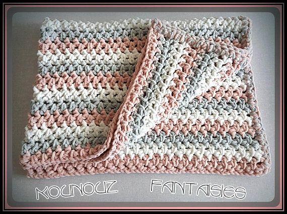 couverture douillette pour bébé Couverture/plaid tricolore crochetée pour bébé bien douillette  couverture douillette pour bébé