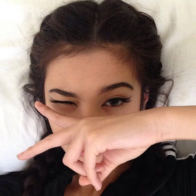 Camila Low @camilakilla THROWBACKInstagram photo // cat eye winged eyeliner, adidas jacket