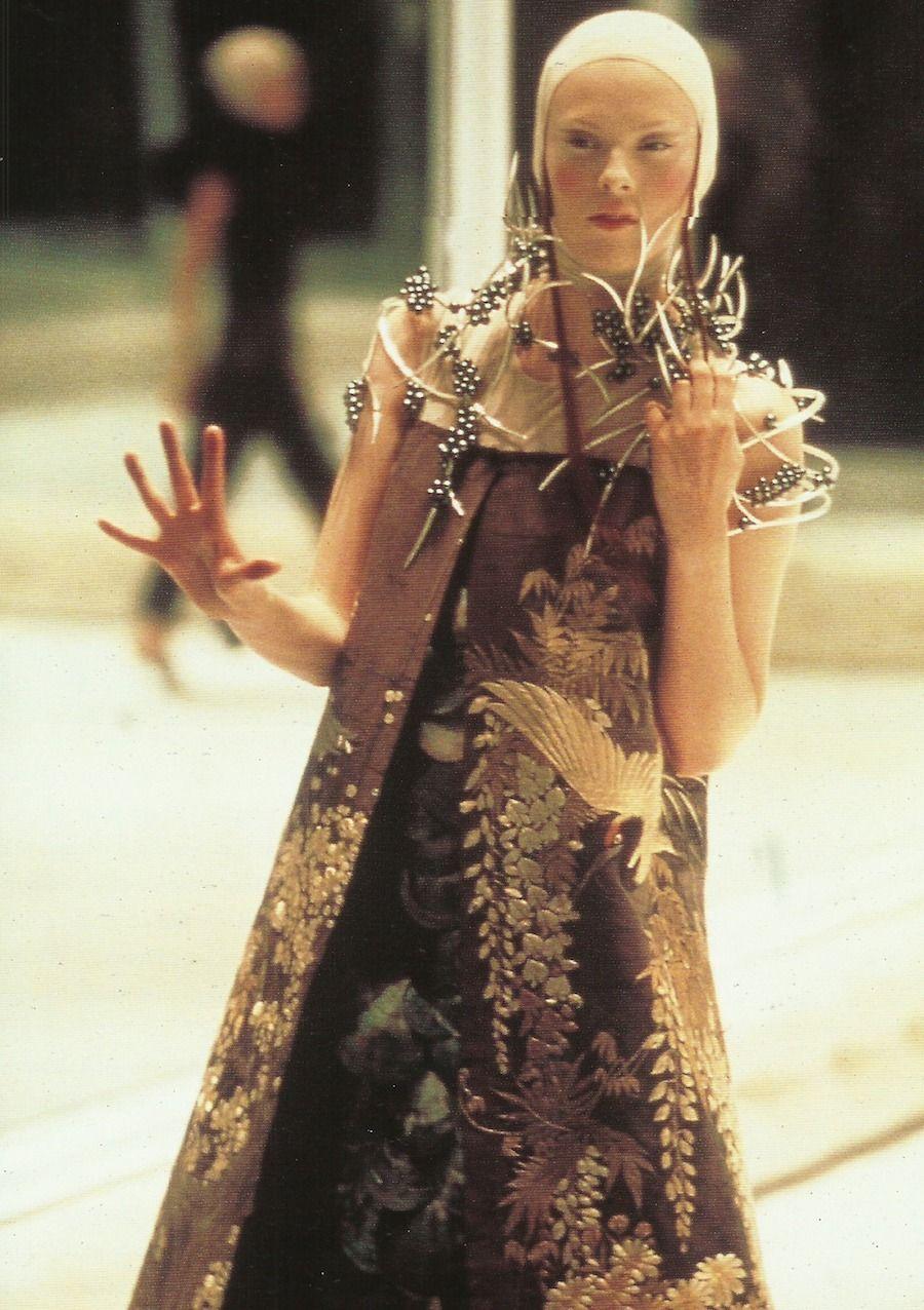 Karen Elson GBR 2001