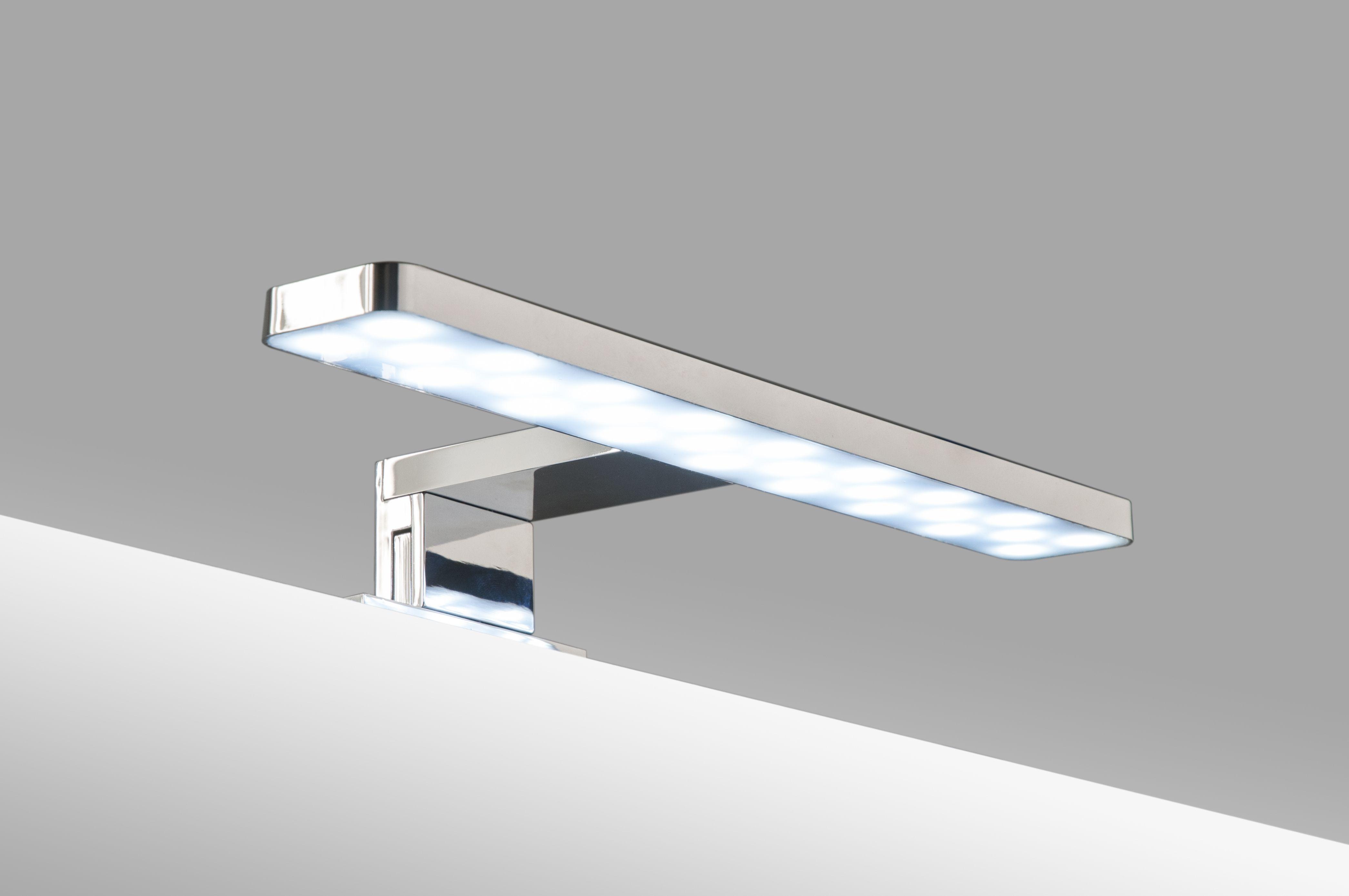 Foco led para tu espejo de 28 cm. Consumo 5.5 W. Luz