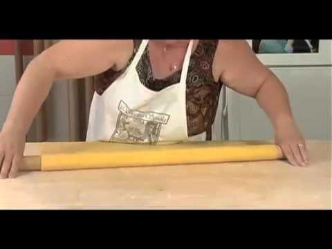 Tagliatelle di nonna Elena (www.videoviterbo.com) - YouTube