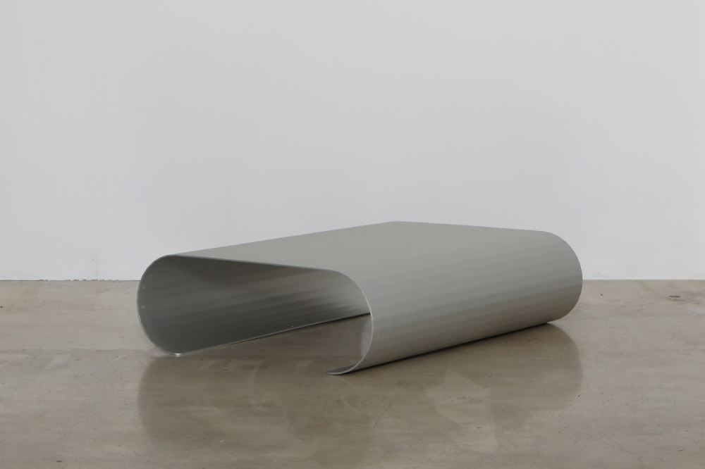Useful Workshop S Curvature Furniture Is Made From Pressed Sheet Metal In 2020 Sheet Metal Metal Bench Furniture