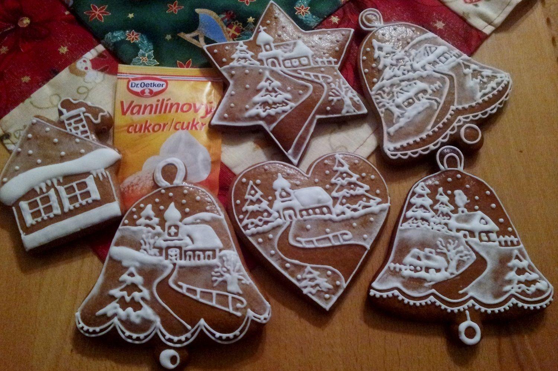Medovníkové krajinky. Czech gingerbread cookies.