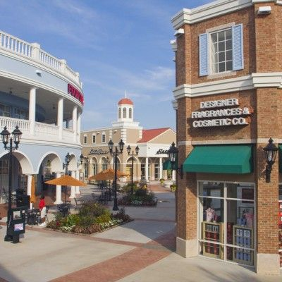 Tanger Outlet Malls Hilton Head And Charleston With Images Charleston Vacation Retail Architecture Tanger Outlet Mall