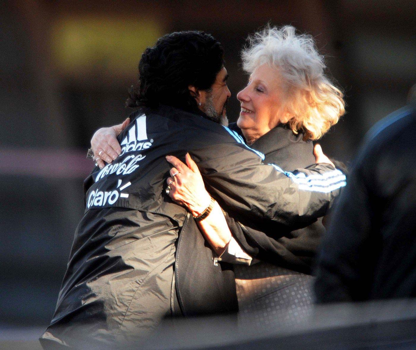 Maradona y Estela de Carlotto.