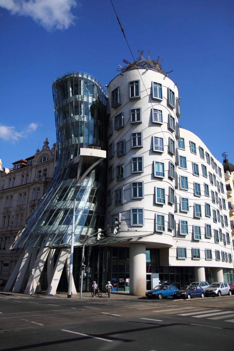 B timents du monde brisant les conventions de l for Architecture des batiments