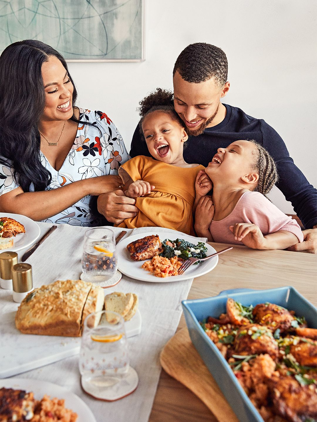 Take A Seat With Us At Ayesha And Stephen Curry S Dinner Table