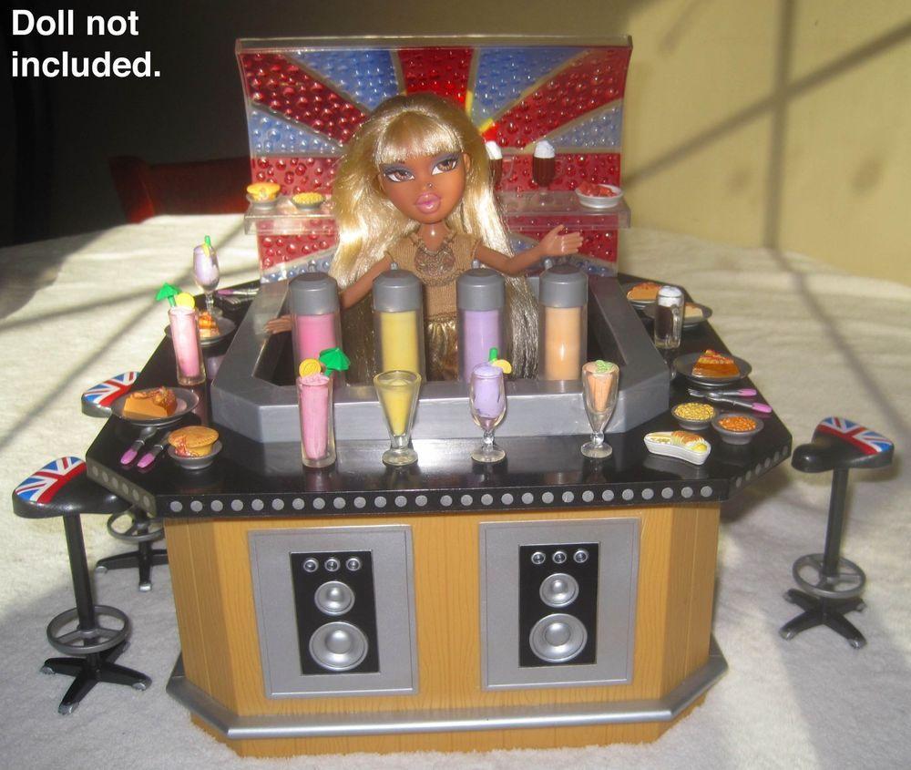 Bratz Pretty N Punk Party Spot Play Set Furniture Food Accessories