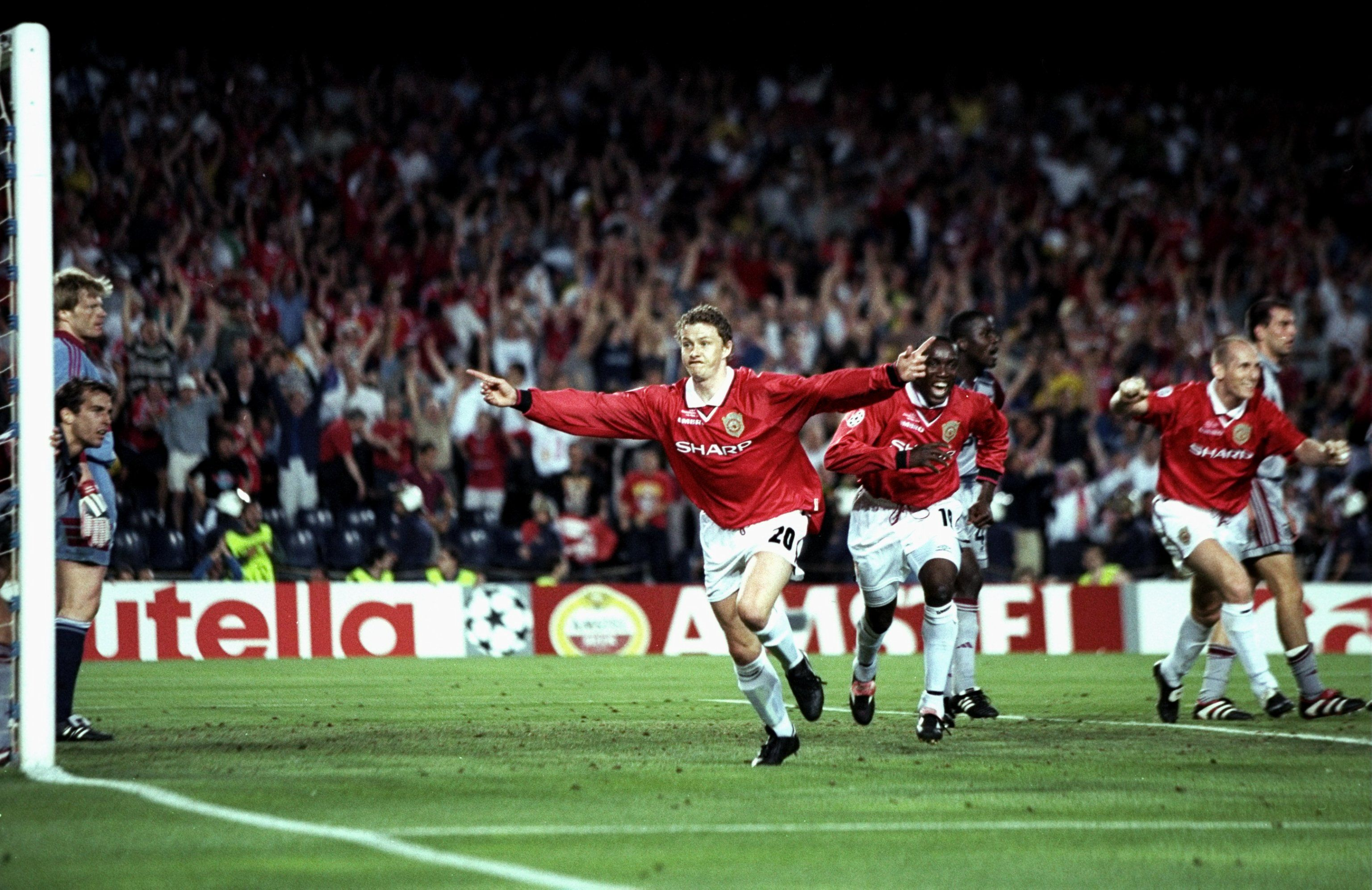 Manchester United Overcome Bayern Munich In The 1999 Champions League Final At The Camp Nou Manchester United Champions League Final Manchester United Football