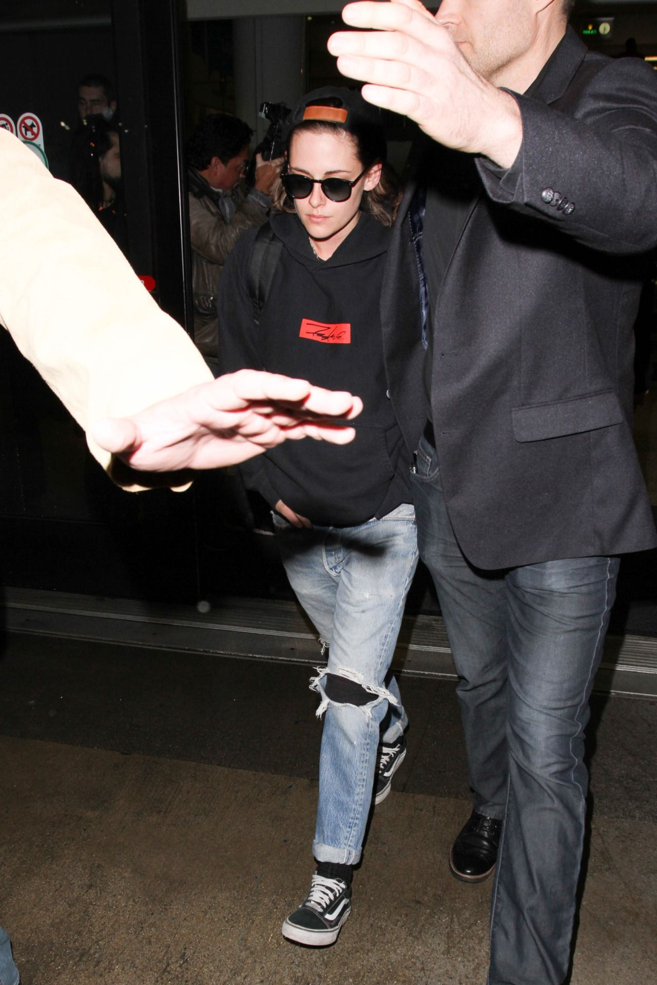 "cray4kstew: "" #KristenStewart arrives to Los Angeles from New York February 17, 2016 """
