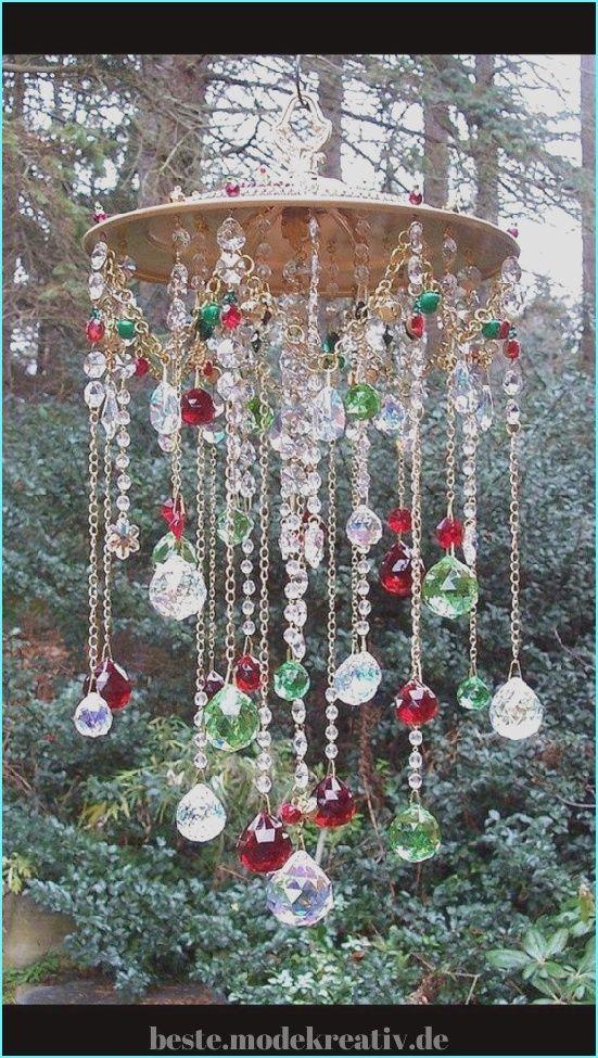 Atemberaubende 50+ Wunderbar charmante und magische Windspiele Ideen, um dem Wind eine Melodi... #outdoorchristmasdecorations