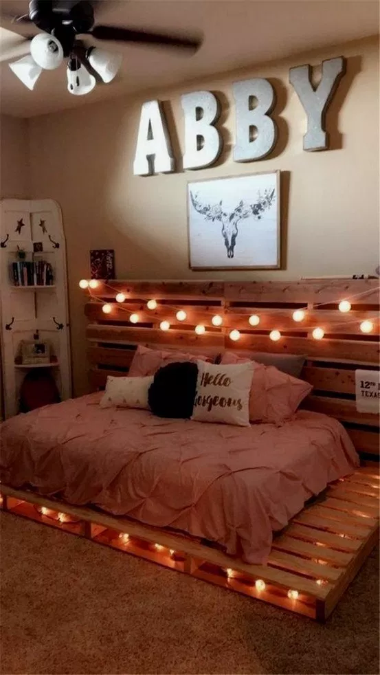 22 Amazing Pallet Bedroom Design Ideas #bedroomideas #bedroomdecor #bedroomdesign ~ Home And Garden #palletbedroomfurniture