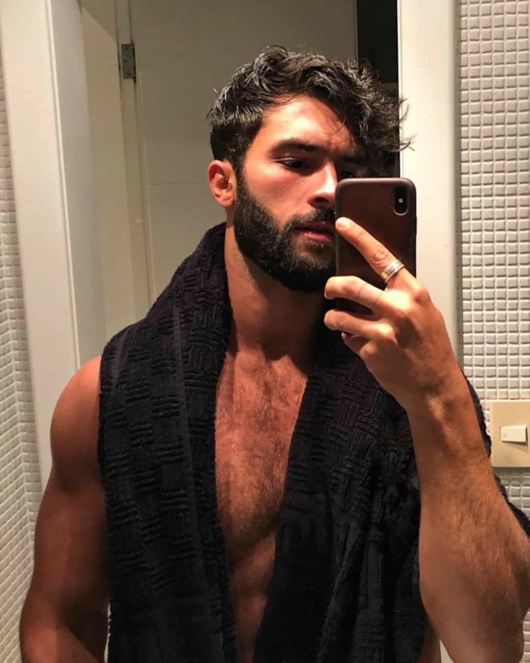 Hot Scruffy Men
