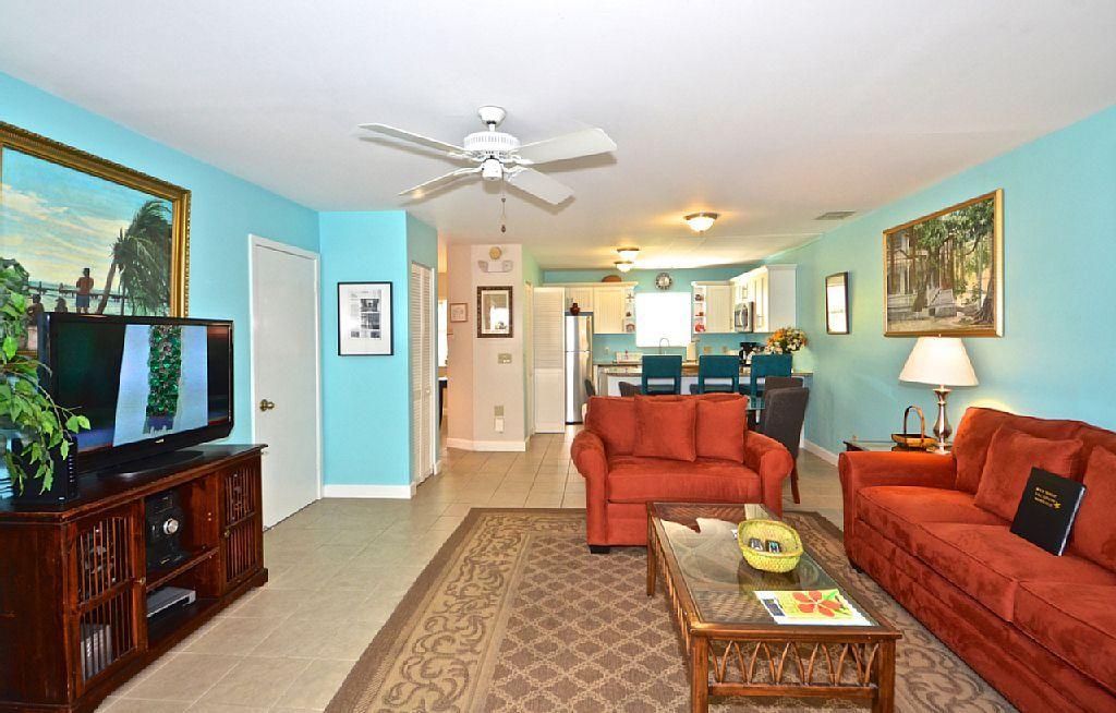 3785486ha Artist House Key West Condo W