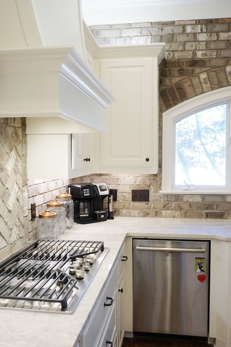 Thin Brick backsplash in 2020 | Antique brick, Brick ...