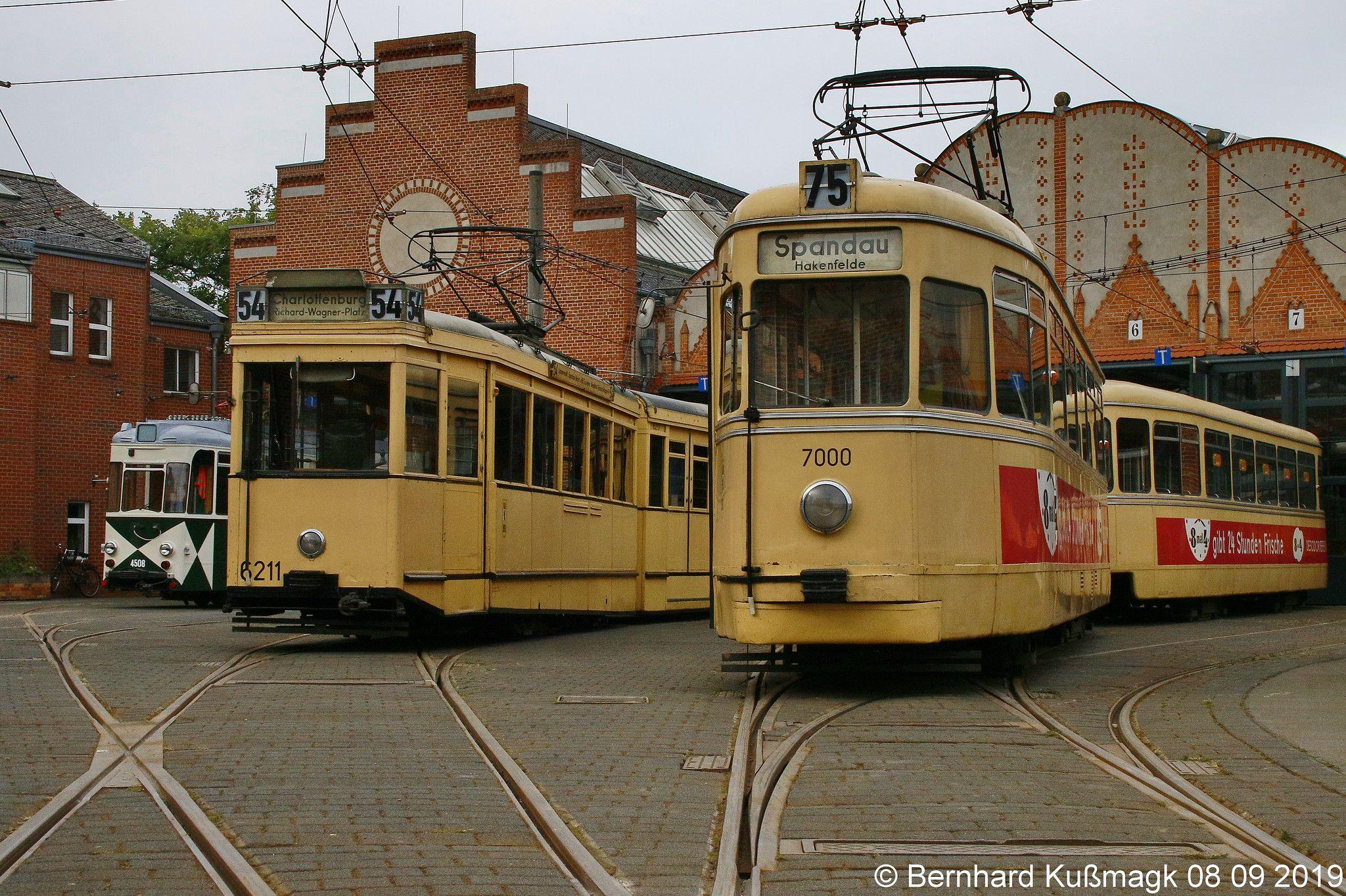 Pin On Berlin Strassenbahn Berlin Tramway Berlin Streetcar Berlin Trolley