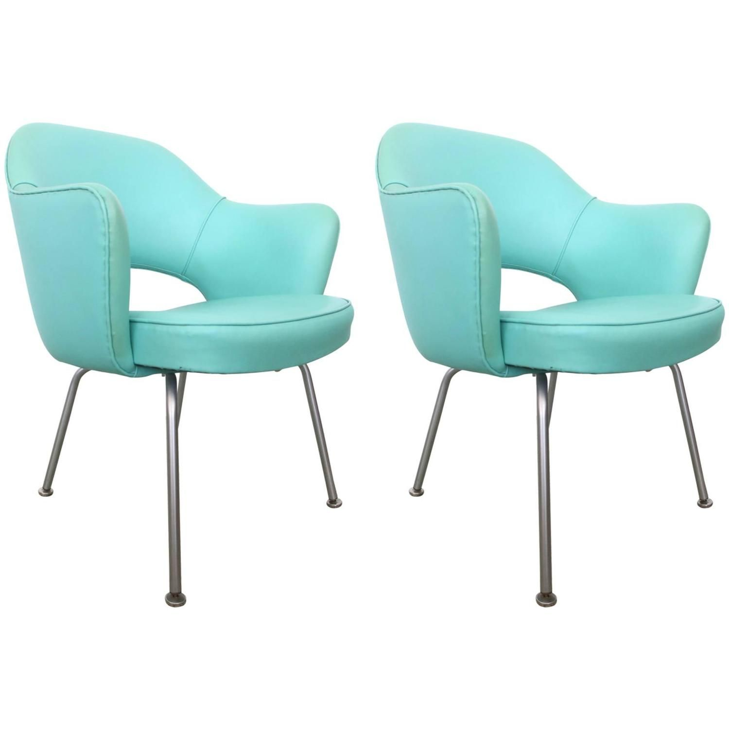 Pair Of Vintage Eero Saarinen Executive Chairs By Knoll From A