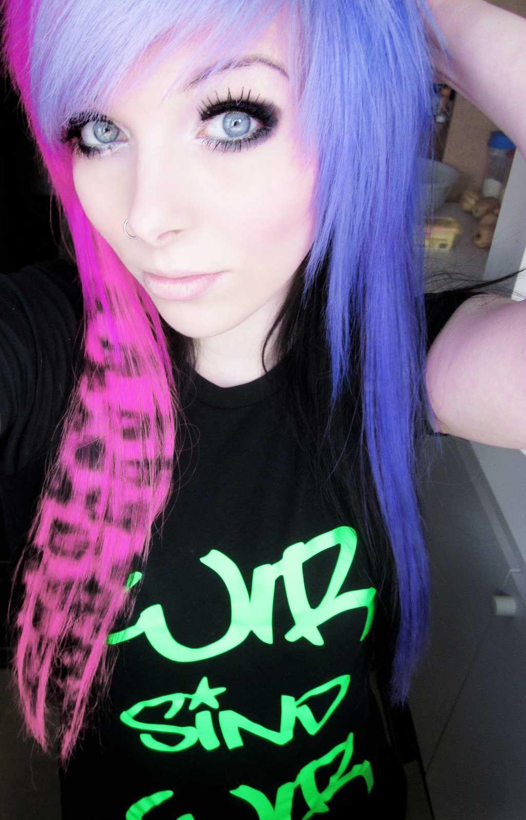 Emo girl ira vampira scene queen colorful hair purple blue pink