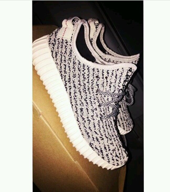 99d53dd2c Adidas Yeezy 350 Boost Low Kanye West Turtle Dove Blue Grey White Womens  Size 6  adidas  Athletic