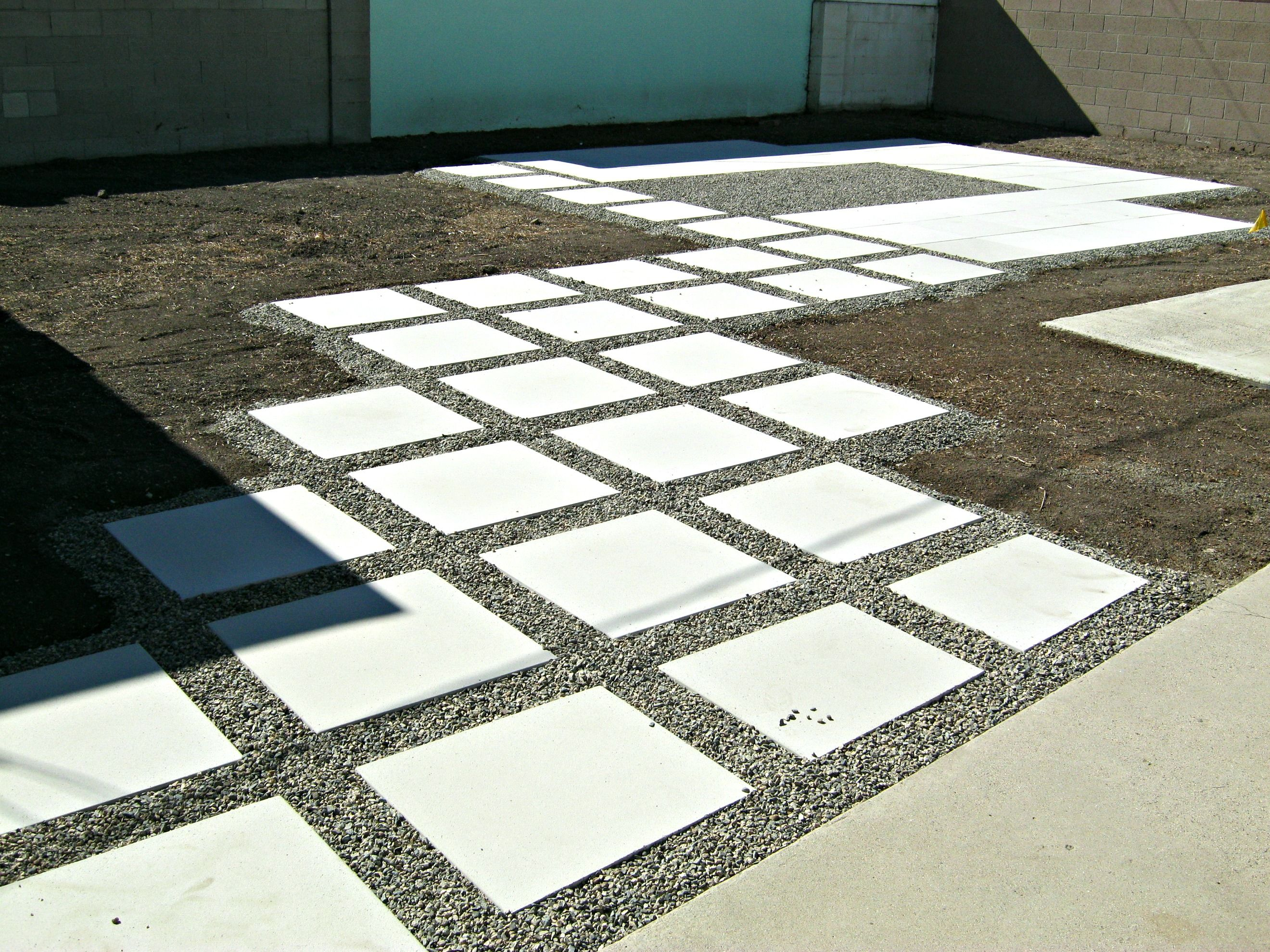 How To Install Concrete Pavers   Lynda Makara