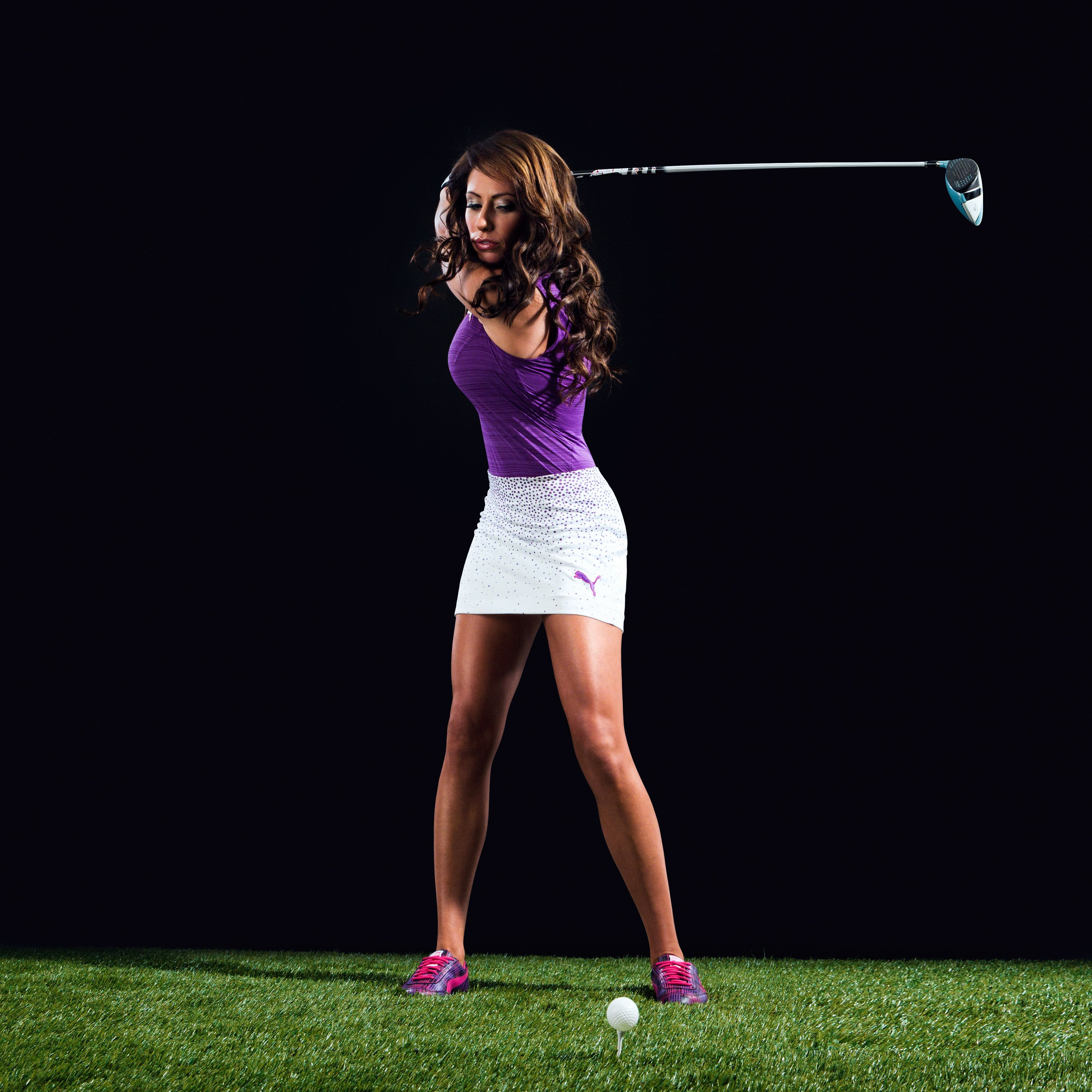 Holly Sonders Hot Pictures That Are Absolutely Must See: Swing Sequence: Holly Sonders