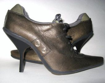MOD Vintage in pelle verde bronzo MIU MIU tacco a spillo Lace Up argento Grommet caviglia stivaletti stivali Prada Made in Italy...Retrò boho Euro