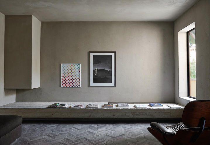 Una casa moderna a roma ristrutturata dallo studio morq for Casa moderna ristrutturata