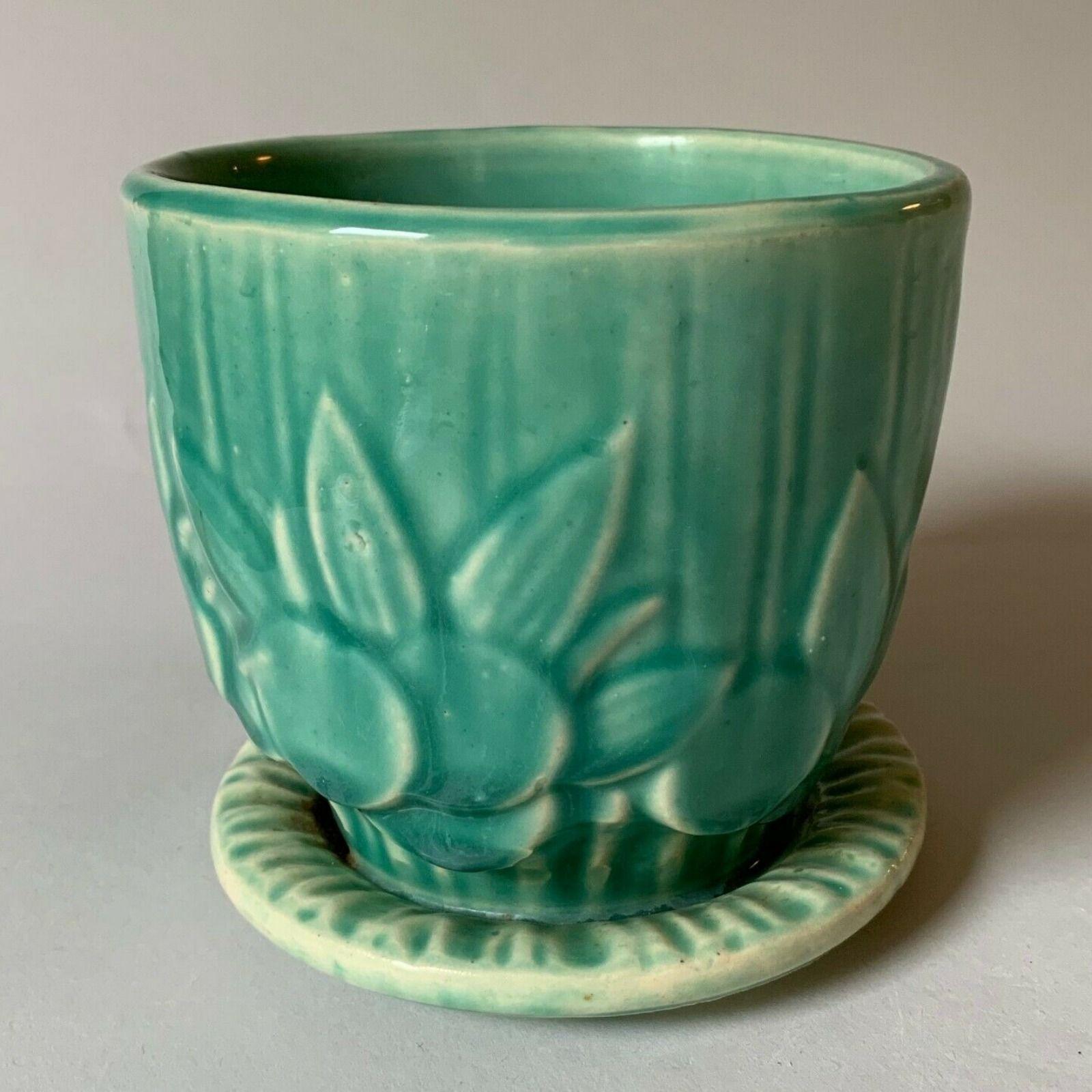 1940 S Vintage Mccoy 4 Sand Dollar Pattern Flower Pot W Saucer In Gloss Green Flower Pots Flower Patterns Sand Dollar