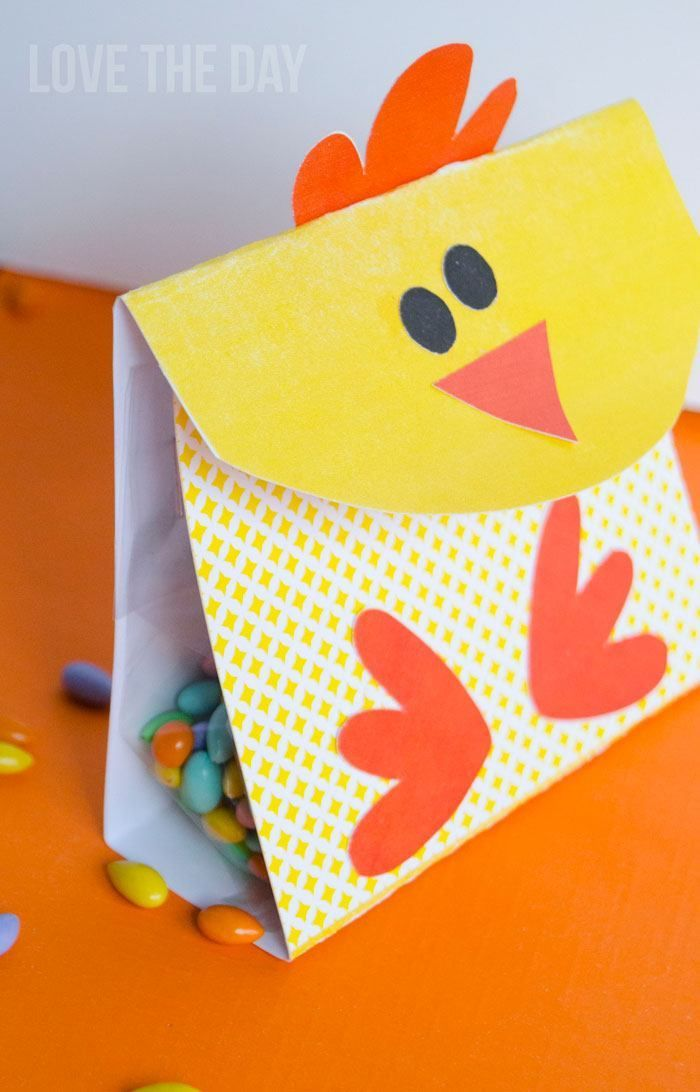 FREE Easter Printables:: Chick Favor Boxes by Love The Day