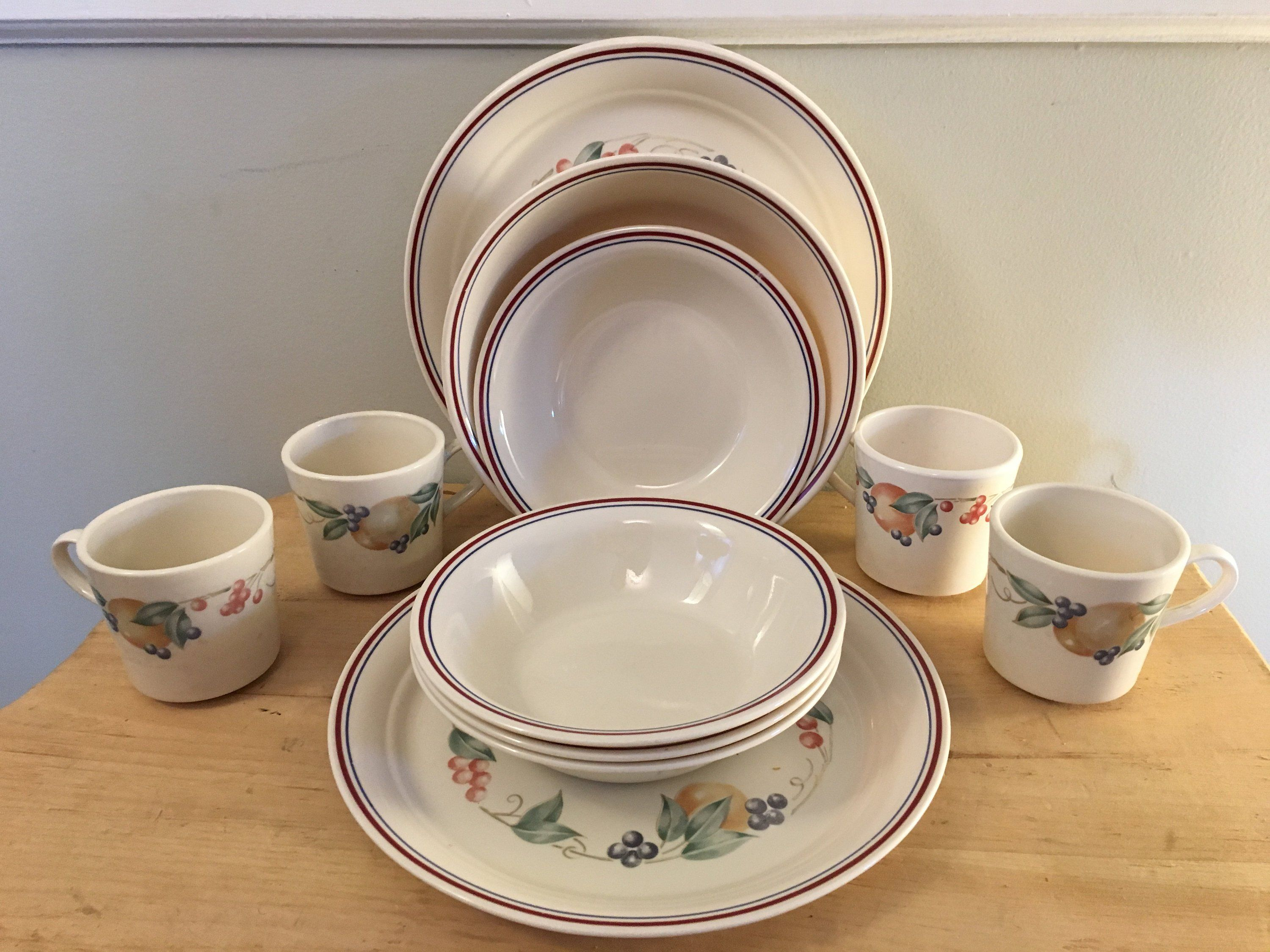 Rustic 16 Piece Dinner Table Set Traditional Flower Style Plates Bowls /& Mugs