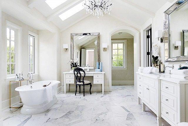 Kris Jenner Dropped 12m On This Swanky La Quinta Home Gorgeous Bathroom Designs Gorgeous Bathroom Elegant Vanity
