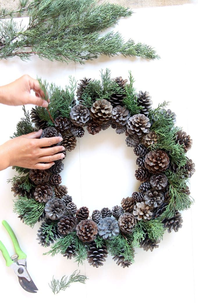 Beautiful Fast & Easy DIY Pinecone Wreath ( Improved Version!) #diybeauty