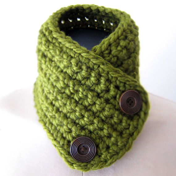 CILANTRO Crochet Neckwarmer with vintage buttons by Beluchis, $56.00 ...
